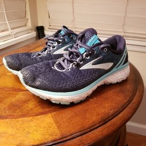 Brooks Women's Ghost 11 size 9.5 M A201